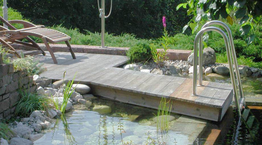 Teich und schwimmteichbau garten und landschaftsbau for Gartenteich planen teichbau